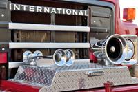 カリフォルニア州 消防車のサイレンと警笛