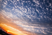 夕焼け空と太陽