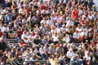 ピンボケした野球場の客席