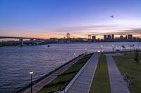 東京都 夕暮れの豊洲ぐるり公園