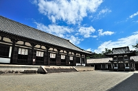 奈良県 唐招提寺講堂と鼓楼
