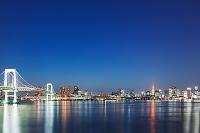 東京都 東京湾と街並の夜景