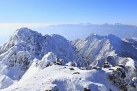 長野県 赤岳山頂より望む権現岳と鳳凰三山と北岳と甲斐駒ケ岳と...