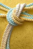 水色と黄色の組み紐