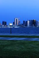 東京都 豊洲ぐるり公園と夜明けの東京港