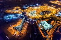 アメリカ 夜のニューアーク・リバティー国際空港