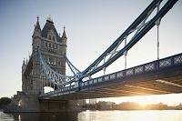 イギリス タワーブリッジとテムズ川