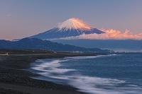 静岡県 三保の松原より富士山の朝景