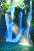 鹿児島県 曽於市 初夏の桐原の滝 木漏れ日