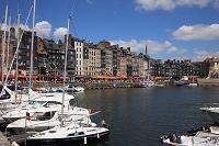 フランス ノルマンディー地方 オンフルール 旧港とオープンレ...