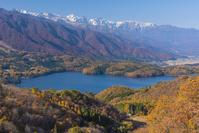長野県 青木湖と白馬三山