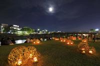 京都府 京の七夕 鴨川会場 風鈴灯と三条大橋