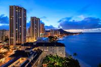 ハワイ オアフ島 ダイヤモンドヘッドとワイキキビーチの夜明け