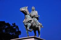 徳川吉宗公騎馬像