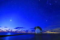石川県 星空と見附島
