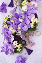 紫のお正月アレンジメント