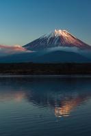 山梨県 富士山 精進湖より