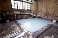 秋田県 鶴の湯温泉の白湯