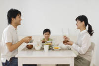 日本人家族の食卓