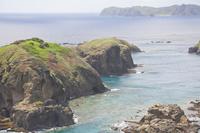 東京都 小笠原 母島の小富士から鰹鳥島を望む