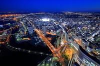 神奈川県 ランドマークタワー展望室から桜木町方面の夜景