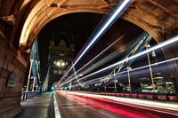 イギリス ロンドン タワーブリッジの光跡