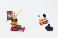 正月飾りと三次土人形チン犬