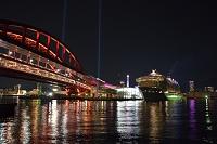 兵庫県 神戸 神戸港の夜景 QUANTUM OF THE SEASが停泊