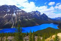 カナダ ブルーの湖 ペイトレイク