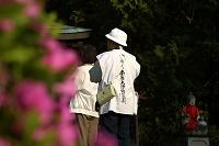 愛媛県 四国霊場第50番 繁多寺 お遍路さんの後ろ姿