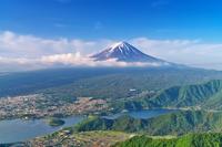 山梨県 新道峠より富士山と河口湖