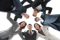 スーツ姿のビジネスチーム