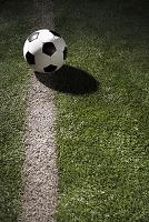 芝生とサッカーボール