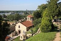セルビア ベオグラード カレメグダン公園 聖ペトカ教会とドナ...