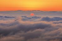 栃木県 那須岳より雲海と朝日