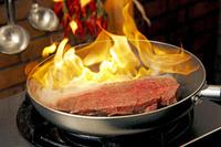ビーフステーキのフランベ