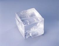 食塩の結晶(岩塩)