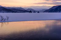 福島県 北塩原村 秋元湖