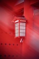 京都府 伏見稲荷大社・楼門の灯籠