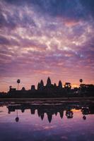 カンボジア 朝のアンコール・ワット
