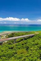 沖縄県 ニライカナイ橋と大西洋