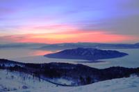 北海道 朝焼けの屈斜路湖