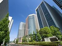 東京都 丸の内のオフスビル街