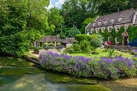 イギリス ラベンダー咲く バイブリー スワンホテル