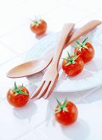ミニトマトとサラダサーバー