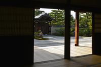 京都府  京都市 建仁寺の枯山水の庭園 額縁庭園