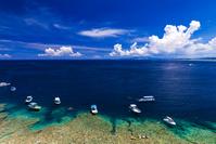 沖縄県 恩納村 真栄田岬の海岸