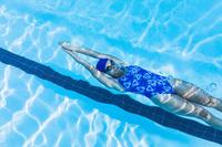 女子競泳 背泳ぎ
