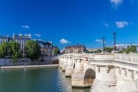 フランス パリ セーヌ川 ポンヌフ(橋)