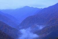 青森県 白神岳展望所より夜明け前の白神岳